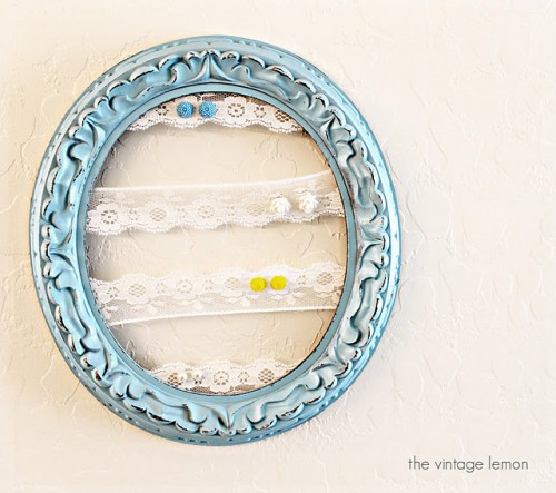 DIY Vintage Lace Earnings Holder