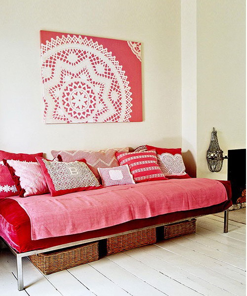 10 Cool Lace Artworks You Can Make For Your Walls