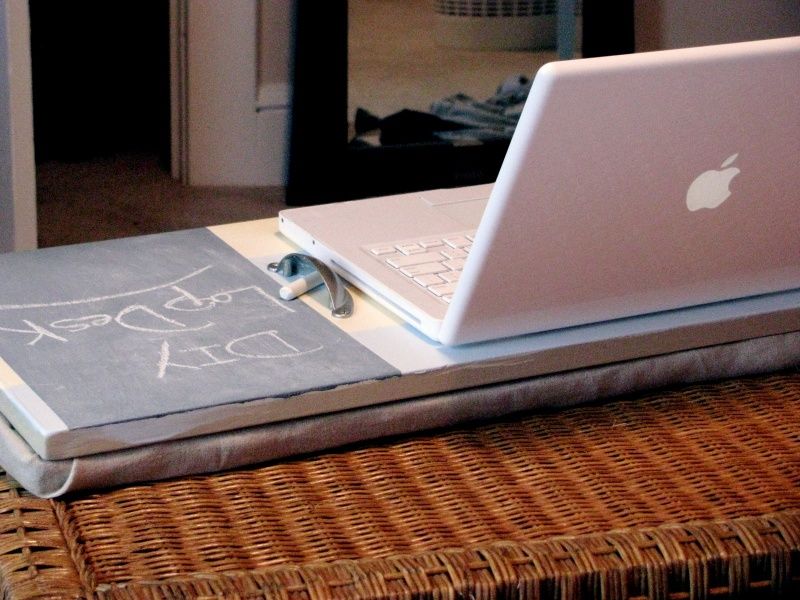 Diy Laptop Desk Combined With A Chalkboard