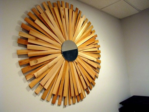 Cute DIY Large Sunburst Mirror To Occupy The Whole Wall
