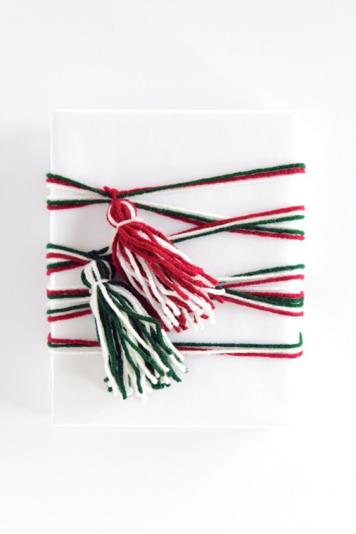 tassel gift wrap (via handsoccupied)