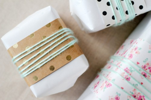 paper and yarn wrap (via splashofsomething)