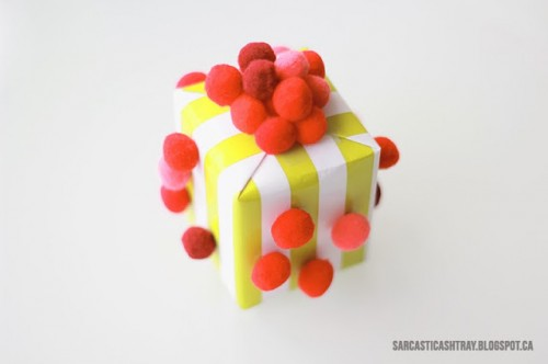 pompom wrapping (via sarcasticashtray)