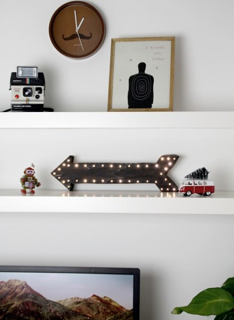 DIY LED Light Arrow For Home Decor