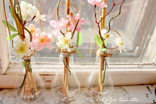 DIY Light Bulb Vases To Decorate Your Windows