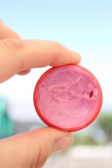 DIY colroful lip balm