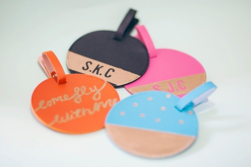colorful luggage tags (via liveitloveitmakeit)