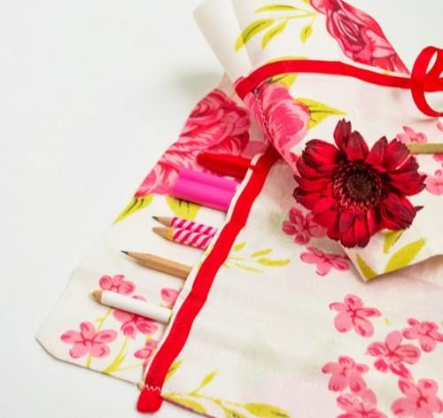 floral brush roll (via onceuponherdream)