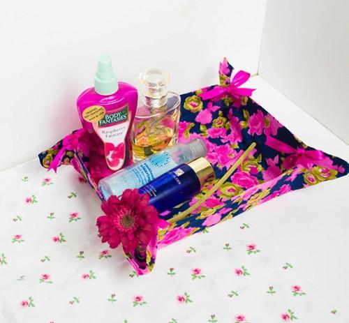 ribbon-tie vanity basket (via onceuponherdream)