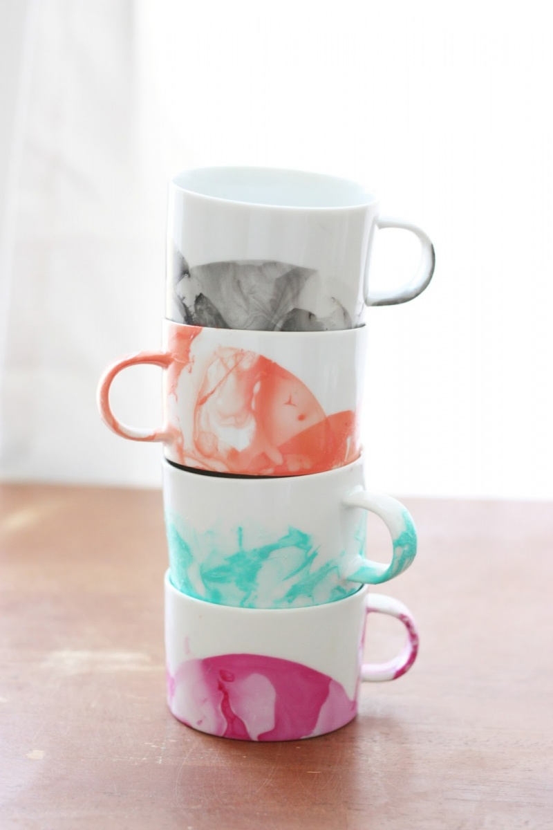 Picture Of diy marble mugs with nail polish  1