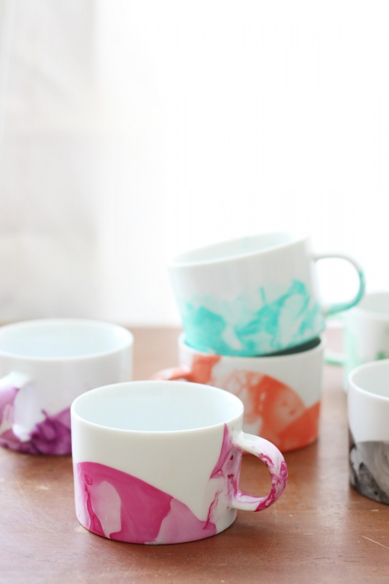 Picture Of diy marble mugs with nail polish  3