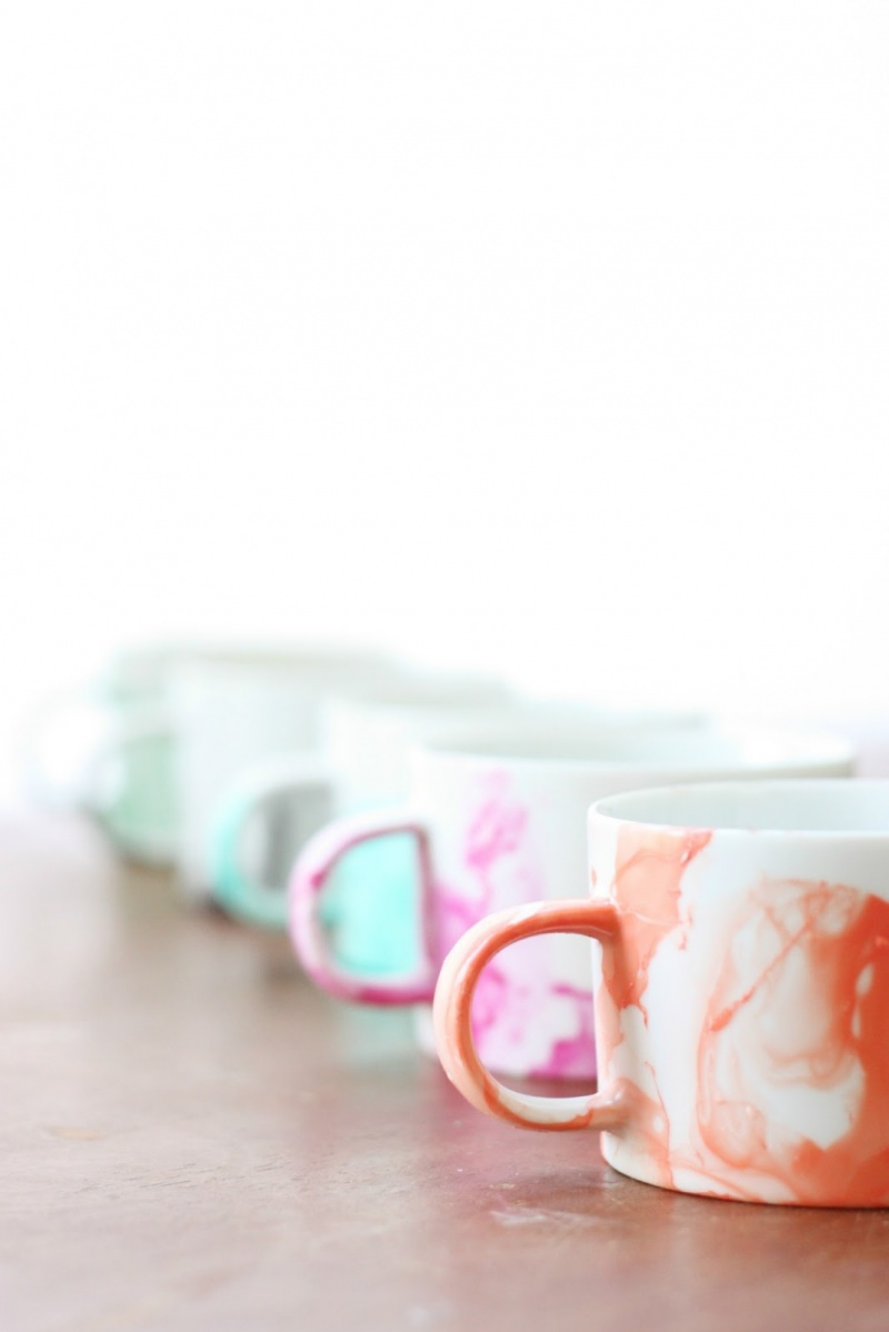 Picture Of diy marble mugs with nail polish  4