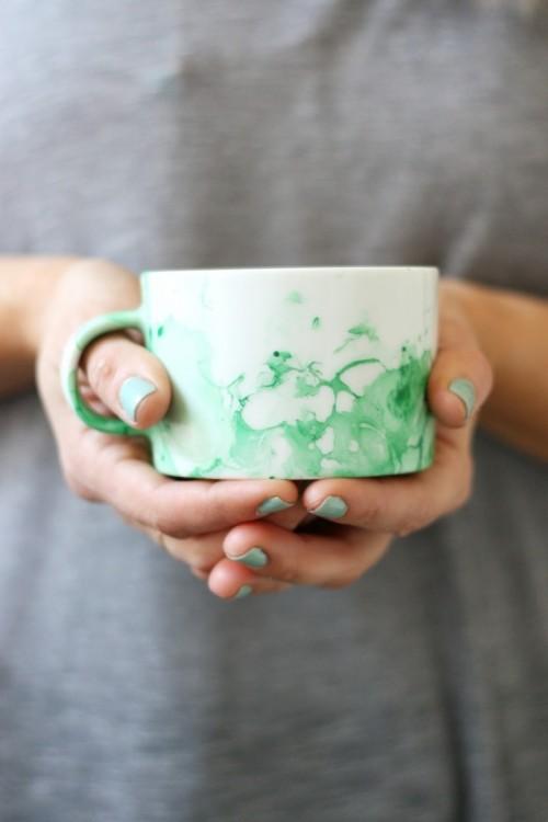 Trendy DIY Marble Mugs With Nail Polish