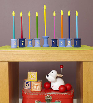 Cool DIY Spools Menorah (via parents)