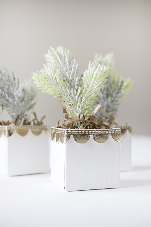 Cool Favors: DIY Mini Christmas Trees In Boxes