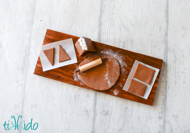 Picture Of diy miniature gingerbread baking christmas ornament  5