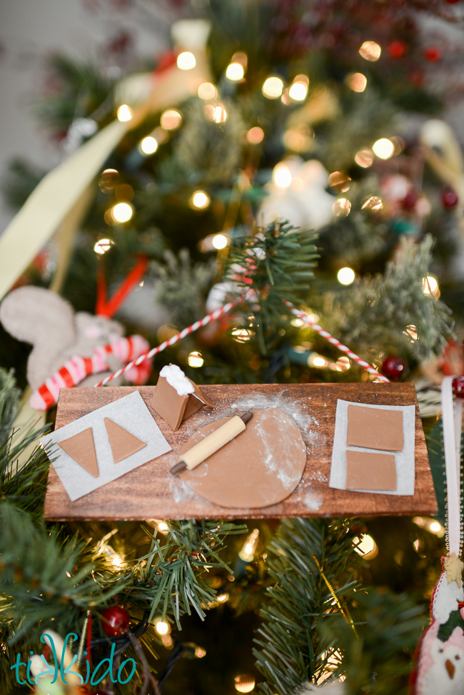 Picture Of diy miniature gingerbread baking christmas ornament  6
