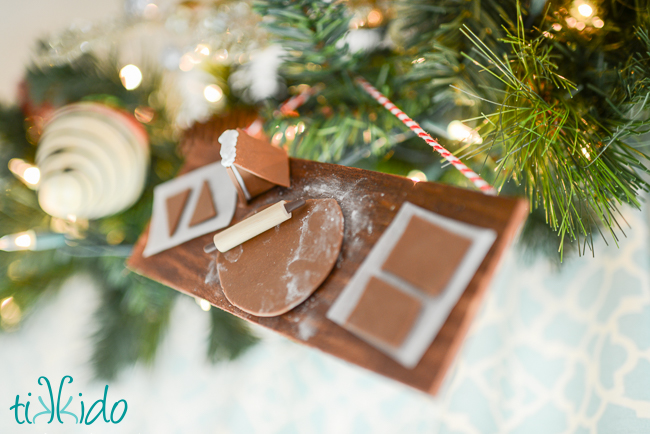 Picture Of diy miniature gingerbread baking christmas ornament  7