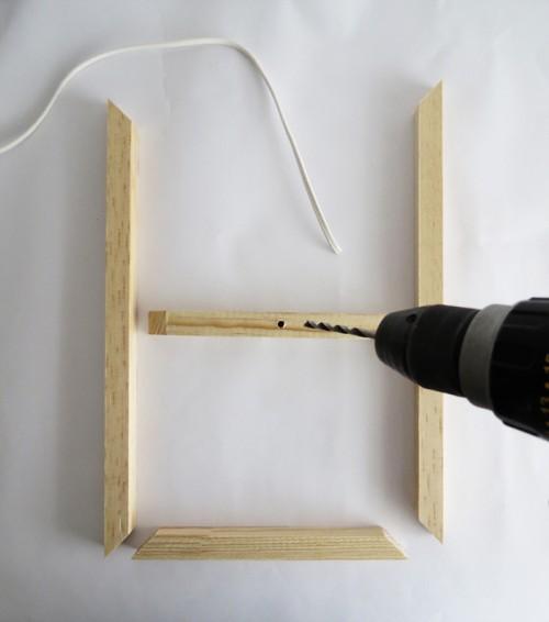 DIY Minimal Wooden Frame Pendant Lamp