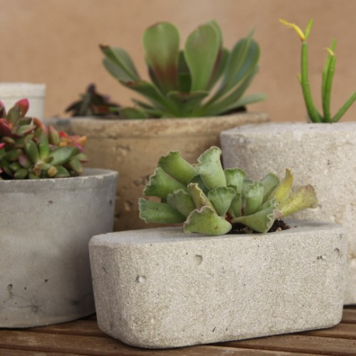 ... materials to use outdoors so why not to use it to make planters such