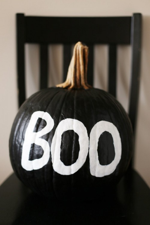 spooky painted pumpkin (via thesweetestoccasion)