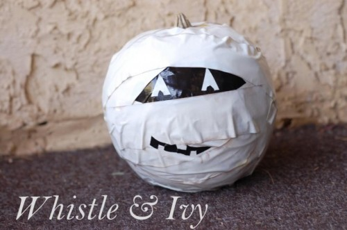 duct tape mummy pumpkin (via whistleandivy)