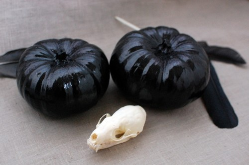 black glitter pumpkins (via transientexpression)