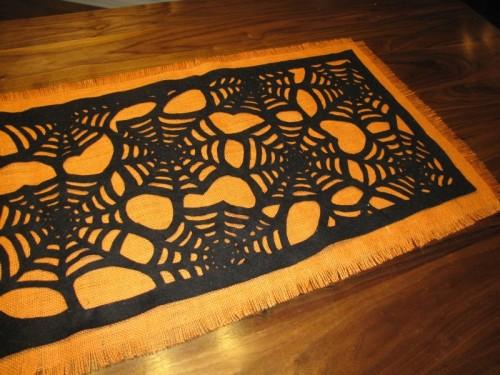 DIY No Sew Halloween Table Runner