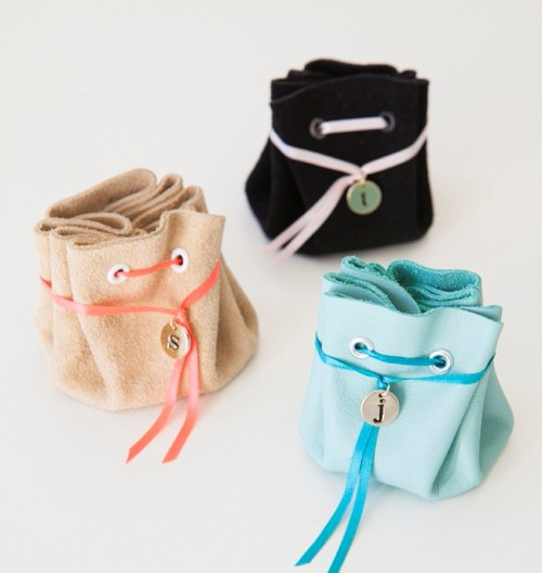 DIY No Sew Leather Jewelry Pouch