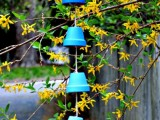 diy-ombre-wind-chimes-from-clay-pots-1