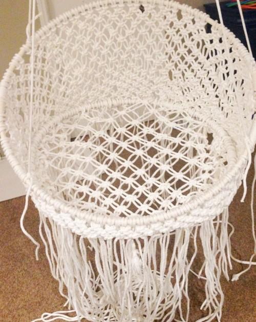 round macrame chair (via classyclutter)