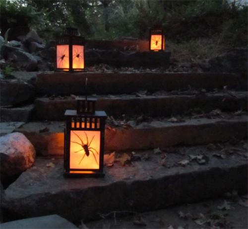 DIY Outdoor Halloween Lanterns With Spiders Inside