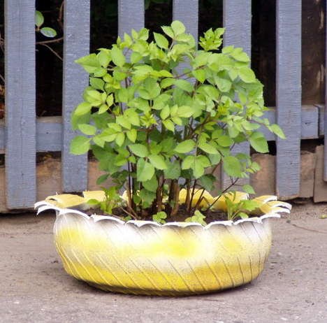 Diy Outdoor Planters Of Recycled Tires