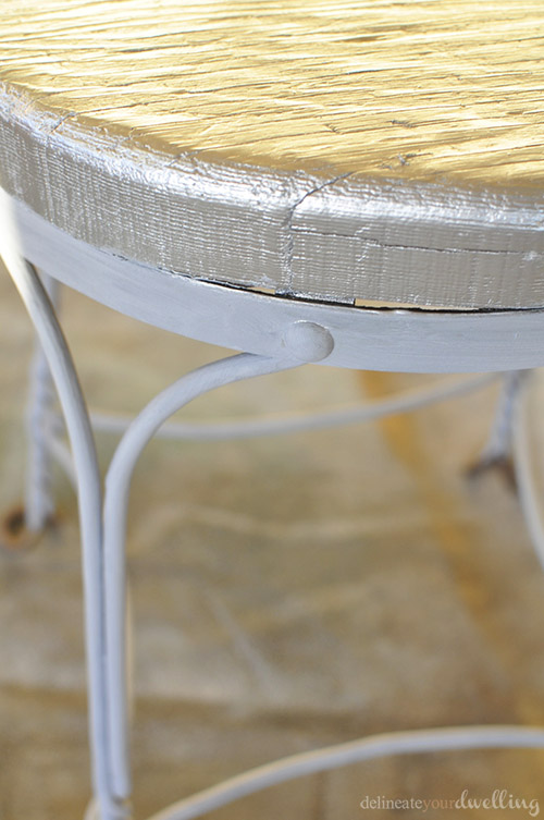 Easy DIY Painted Metal Chair Renovation