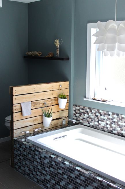 Diy bathroom shelf system and planter stand from a single - Decoration avec des palettes ...
