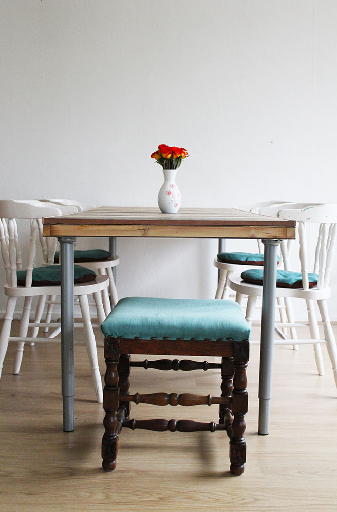 Diy Pallet Door Dining Table