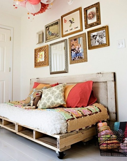5 DIY Daybeds Of Shipping Pallets