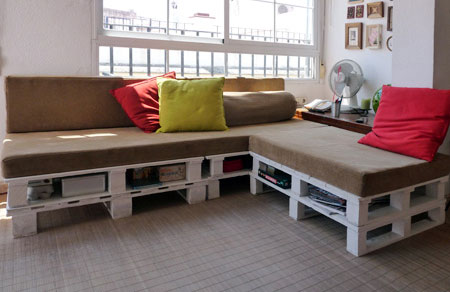 Diy Sofa With Built In Storage Made Of 6 Pallets Shelterness