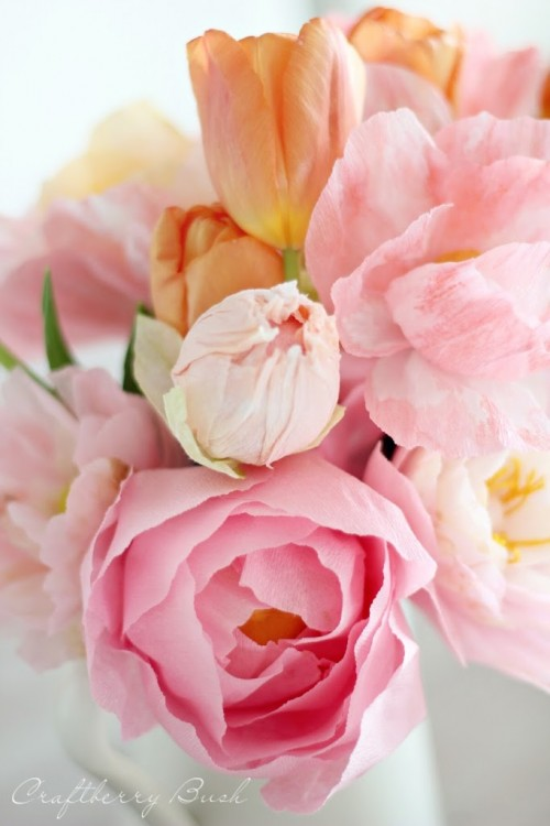 13 DIY Paper Flower Tutorials For Spring Décor
