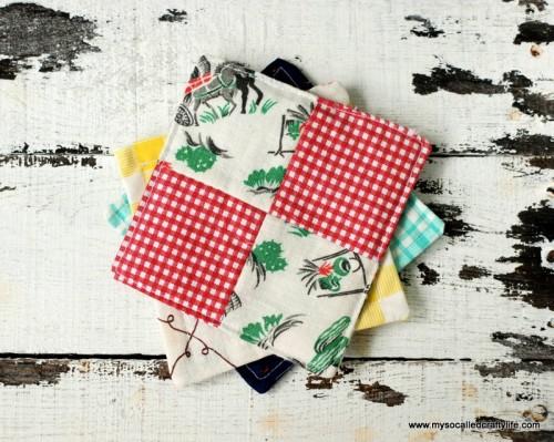 scrappy patchwork fabric coasters (via mysocalledcraftylife)