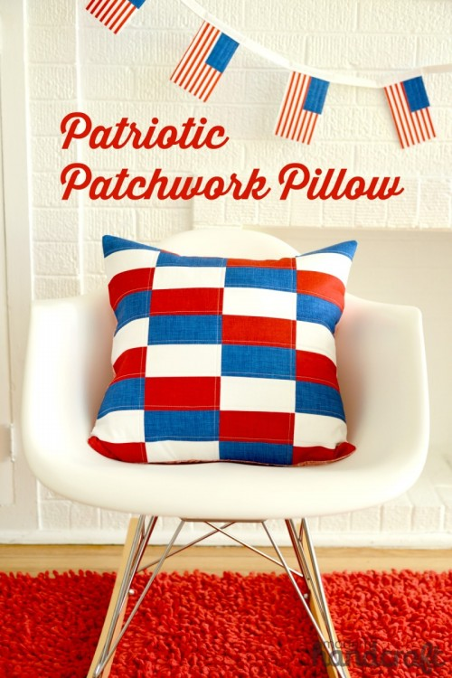patriotic patchwork pillow (via mesewcrazy)