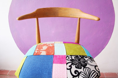 patchwork chair makeover (via sombrerodeideas)