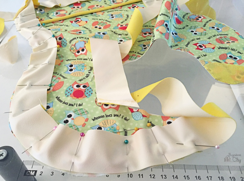 Picture Of diy patterned waterproof bib to make  7
