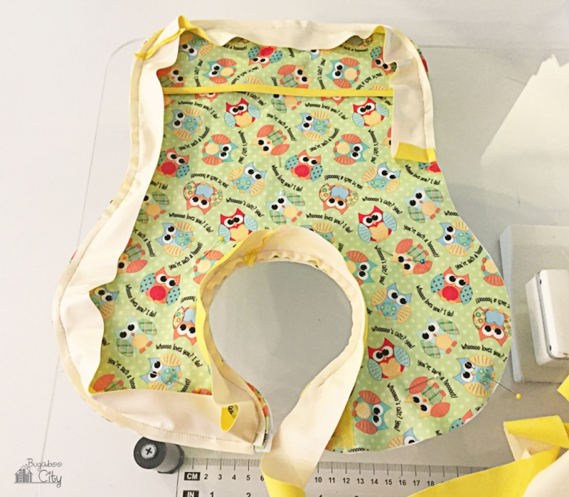 Picture Of diy patterned waterproof bib to make  8