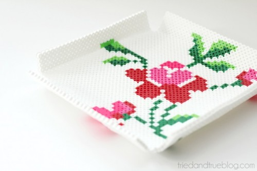 Cute DIY Perler Bead Tray With A Floral Motif