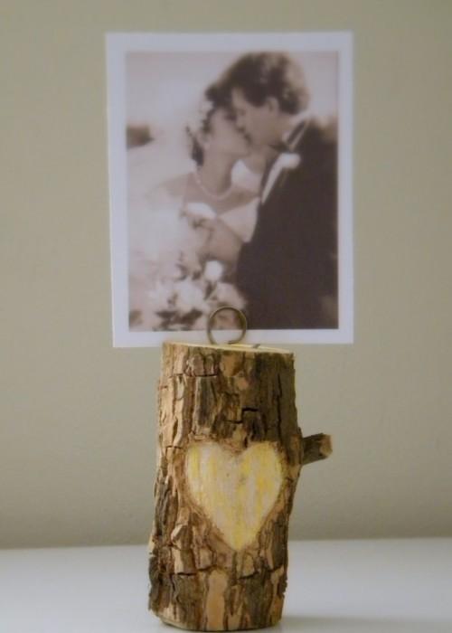 tree branch photo holder (via shelterness)