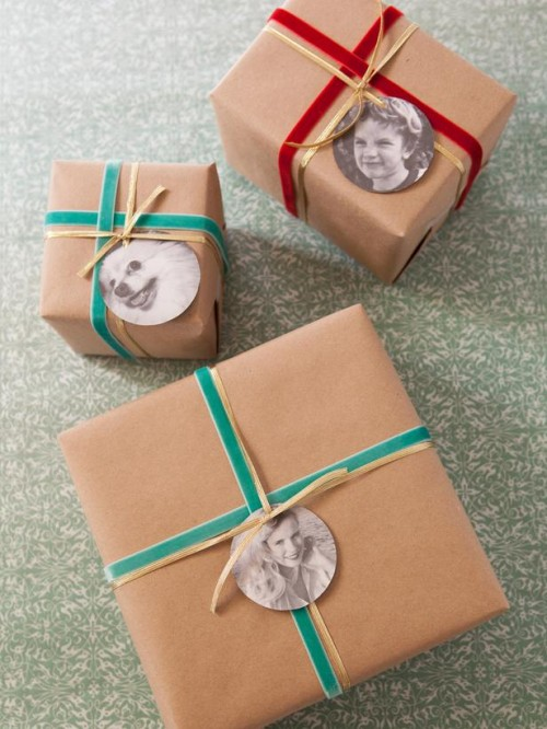 round photo gift tags (via diynetwork)