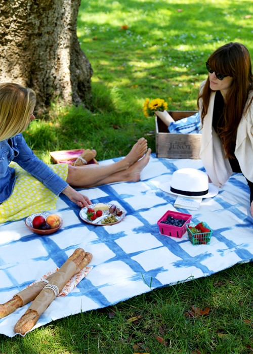 15 DIY Picnic And Beach Blankets For Relaxing Outdoors
