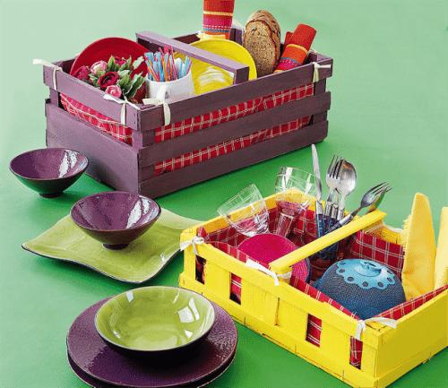 wooden picnic basket (via receberecelebrar)