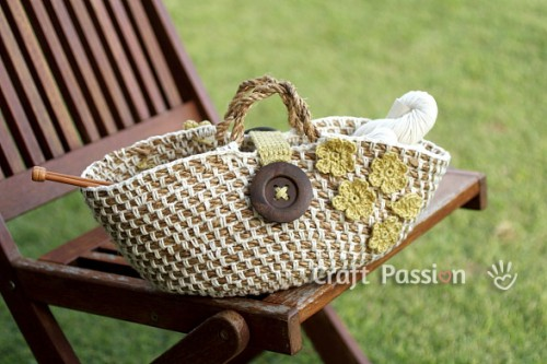 floral picnic basket (via craftpassion)